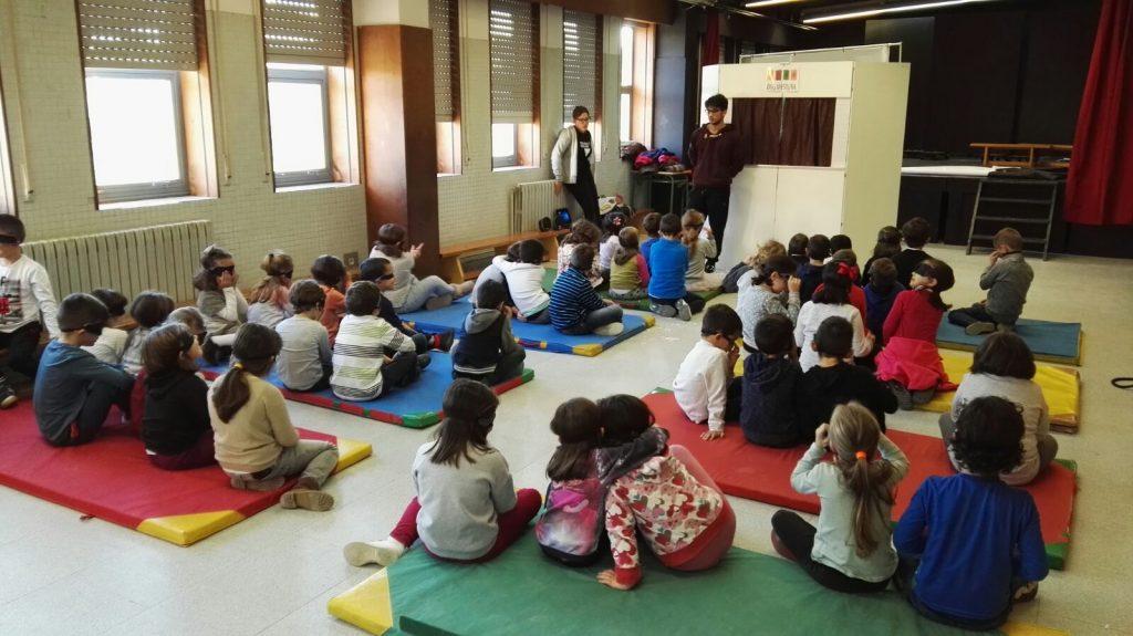 Colegio Portofaro, CEIP Portofaro, obra de teatro, novos veciños, mestura, sensibilizacion, titeres,